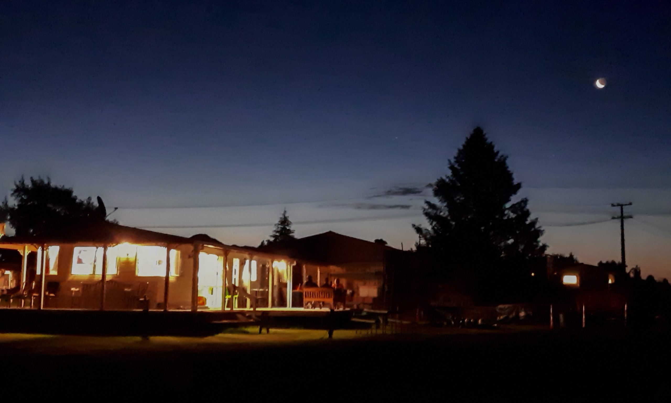 Raetihi Holiday Park at night